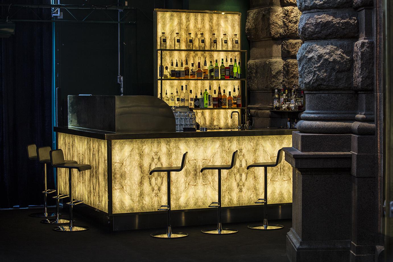 Café Opera bar. Levererad av Roslagsglas. Snickeri Idé och Design.